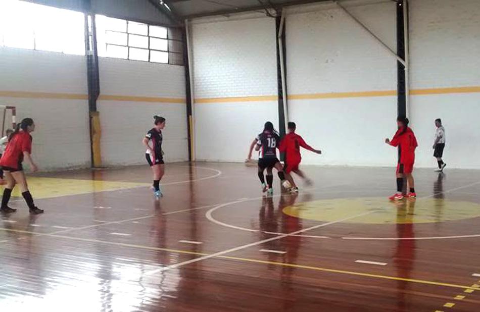 4º Torneio de futsal Feminino do Santos FC - Bola em Jogo 453aac0939941