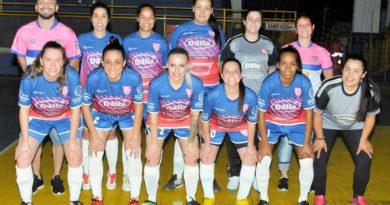 Meninas do Onze Unidos na semifinal do Futsal