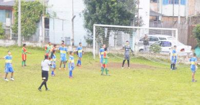 Atlético/Amovale e Boca BV/Três Estrelas os lideres